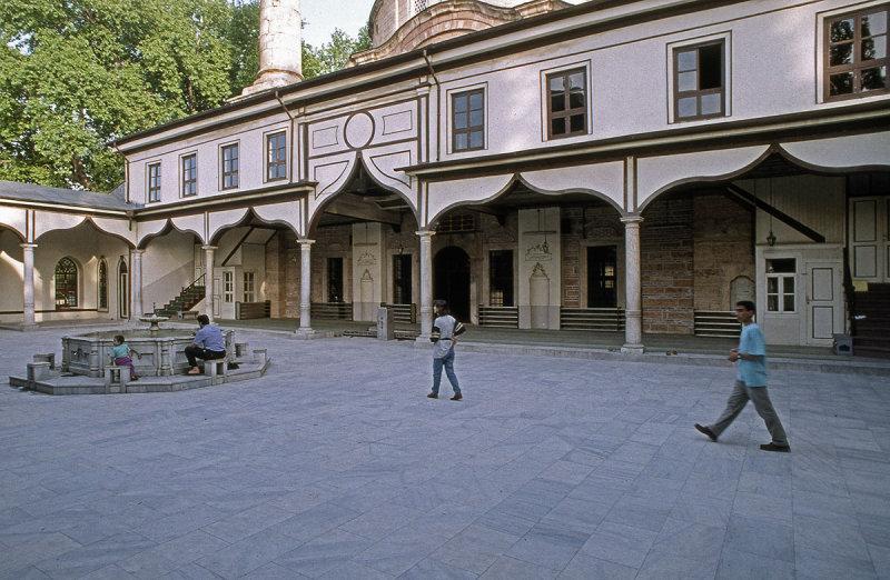 Bursa Emir Sultan Camii 93 076.jpg