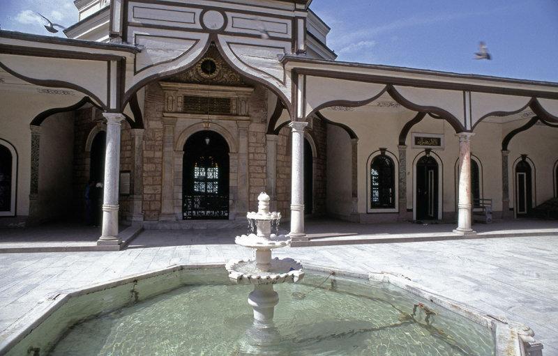 Bursa Emir Sultan Camii 93 077.jpg