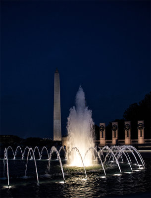 WW II Monument with Washington Memorial