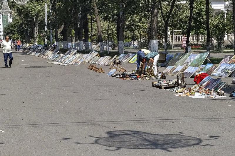 Open-air art market, Tashkent