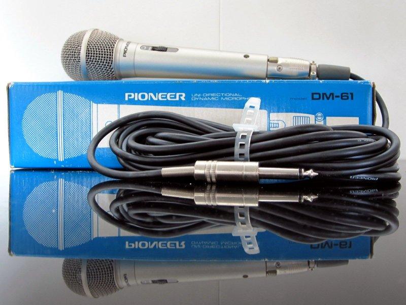 Pioneer DM-61 Dynamic Microphone