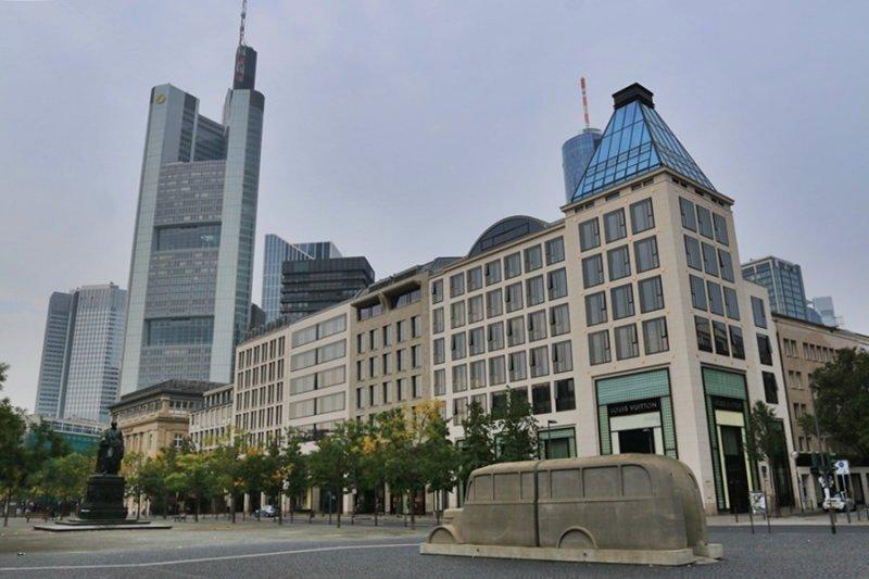 Frankfurt am Main. Rathenauplatz