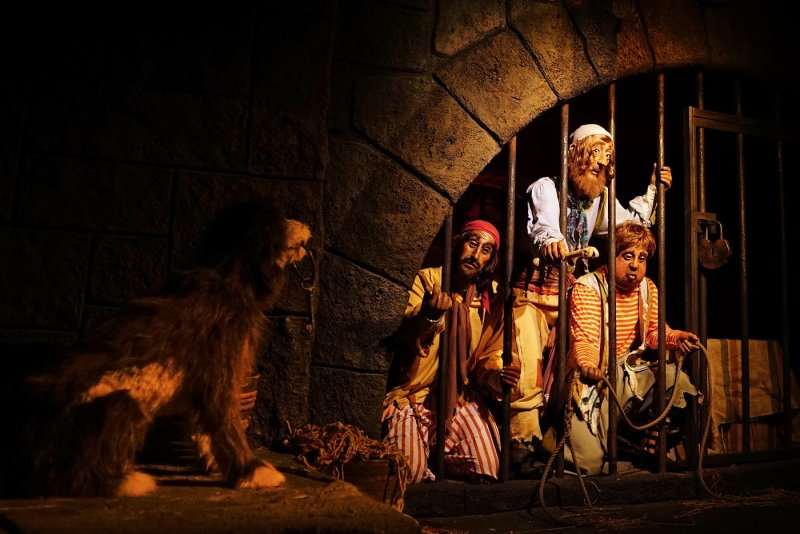 Pirate prisoners and dog