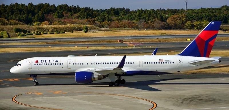 Delta B-757/200, N823DX
