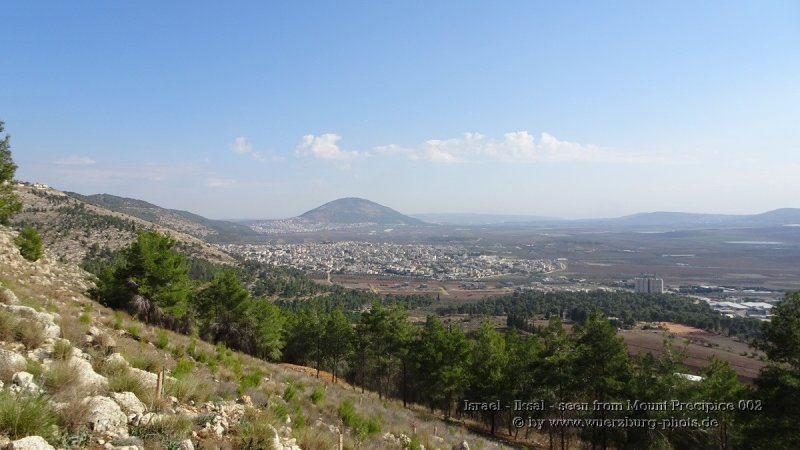 Israel - Iksal - seen from Mount Precipice 002.jpg