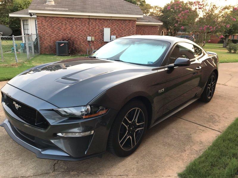 2018 Mustang GT Premium 6 spd.jpg