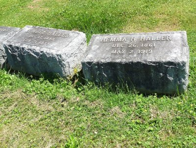 Some of the graves of people born in the 1800s