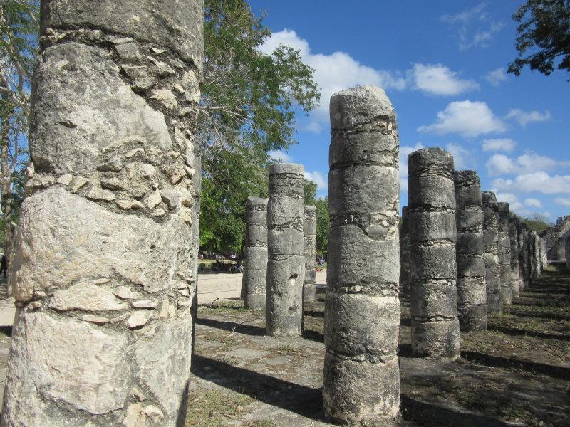 Grupo de las Mil Columnas (Group of the Thousand Columns)