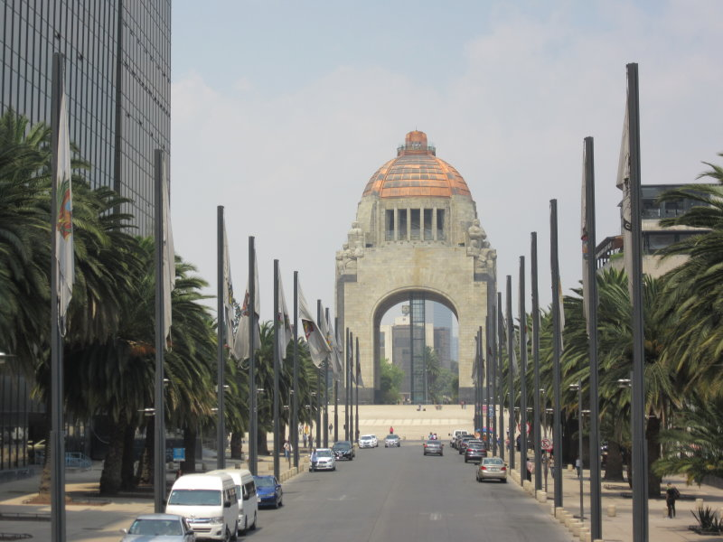 Avenida de la Republica - towards the Monumento a la Revolucion
