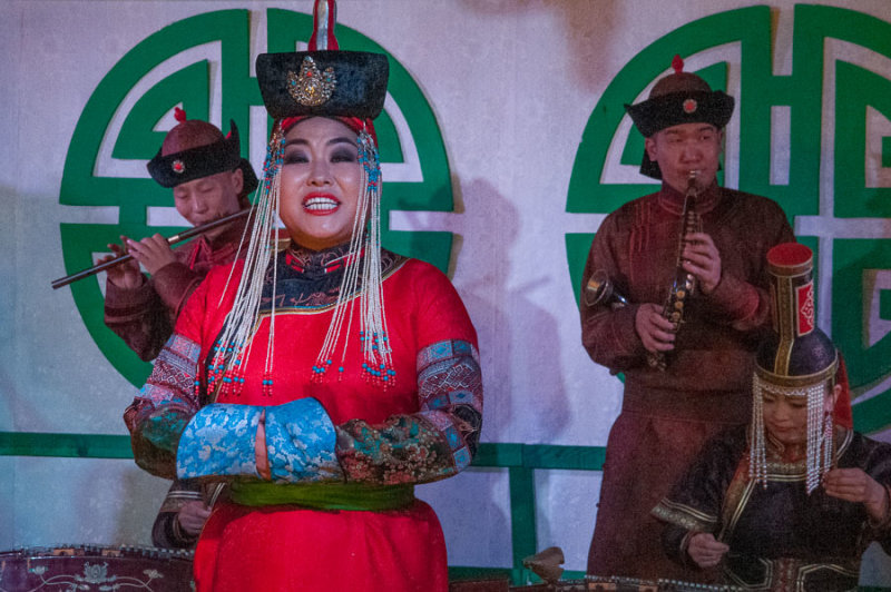Performance at Tumen Ekh, the National Song and Dance Ensemble