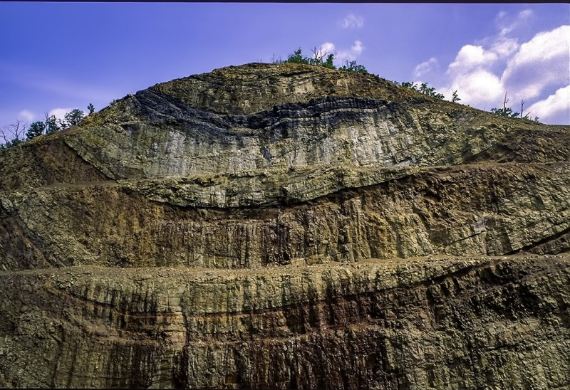 (SG43) Syncline exposed in a road cut at Sideling Hill near Hancock, MD