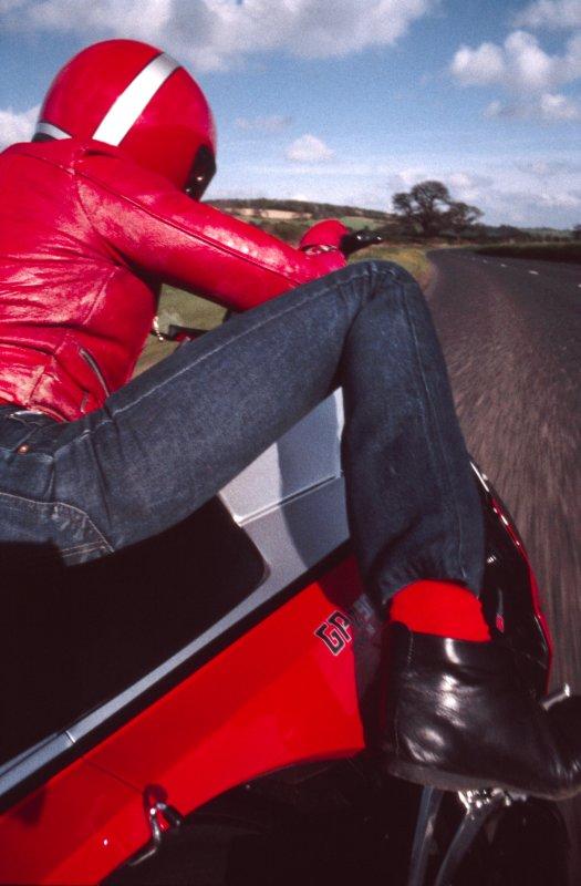 Red GPZ900.jpg