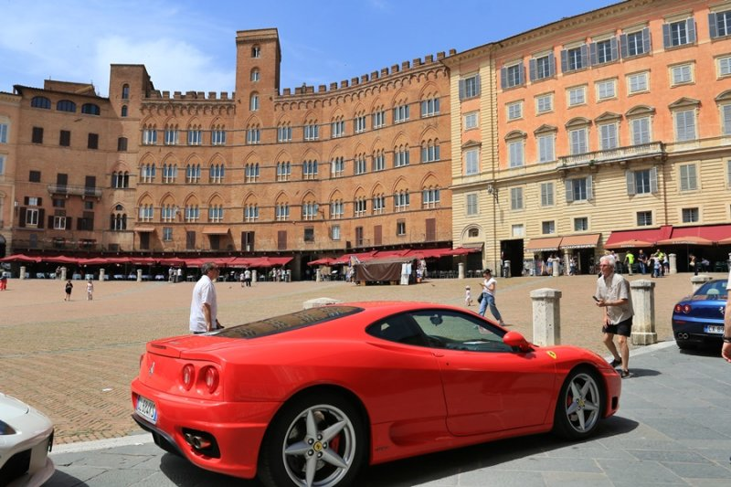 Siena. Ferrari Day in Piazza del Campo