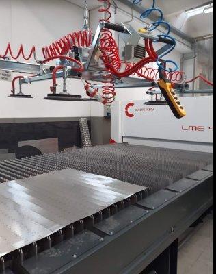 Centro servizi taglio laser fibra  a Morbegno