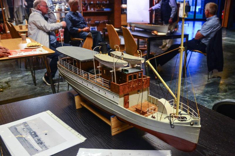 Alt er scratchbygget og skipet har lokalhistorisk interesse for Arve.