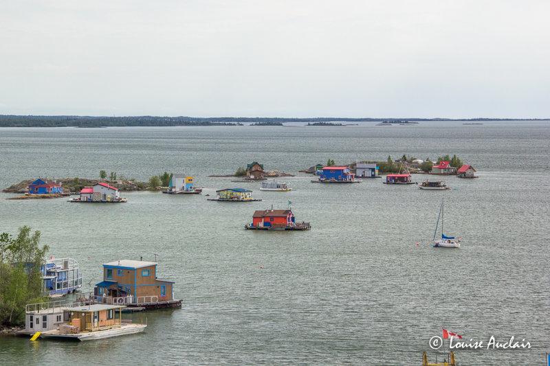 Houseboat Bay
