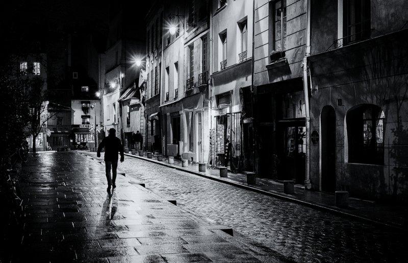 Paris, rue Saint Julien le Pauvre