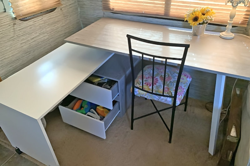 table drawers open.jpg