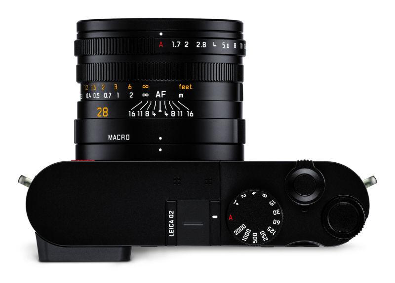 Leica+Q2_top_CMYK.jpg