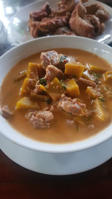 Pumpkin curry with pork