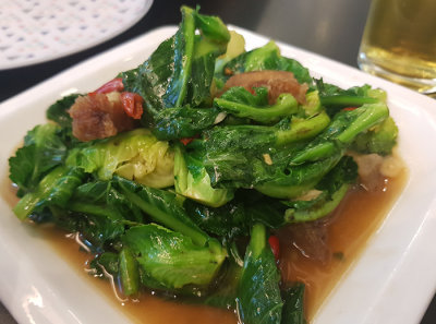 Kale with crispy pork in oyster sauce