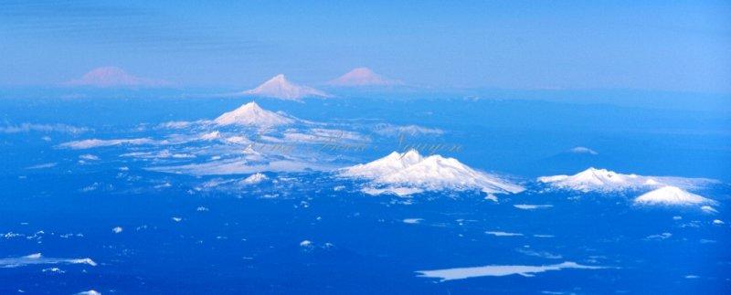 Mt Rainier, Mt Adams, Mt Hood, Mt Jefferson, Three Fingered Jack, Mt Washington, Three Sisters, Broken Top Mt, Mt Bachelor