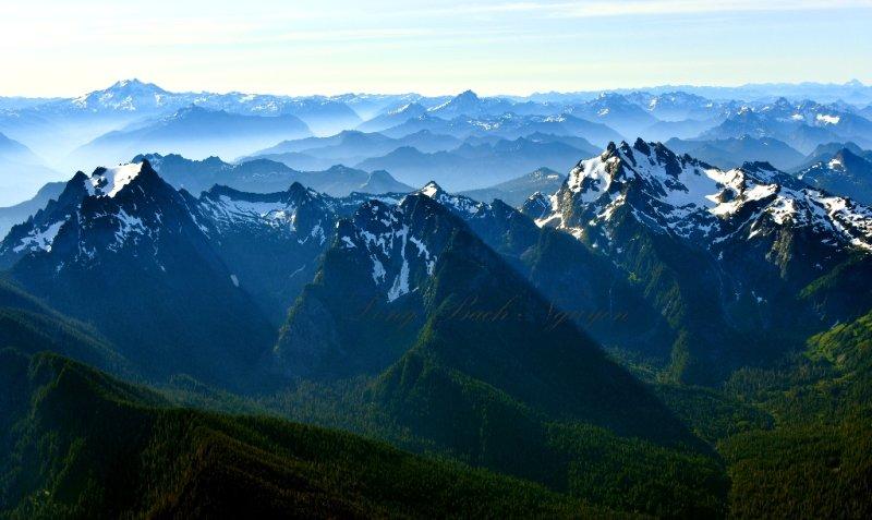 Whitehorse Mountain, Mount Bullon, Three Fingers, Pugh Mt, Glacier Peak, Bedal Peak, Sloan Peak, Wilmans Peak, Monte Christo