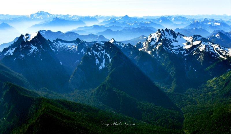 Whitehorse Mountain, Mount Bullons, Three Fingers, Pugh Mt, Glacier Peak, Bedal Peak, Sloan Peak, Wilmans Peak, Monte Christo,