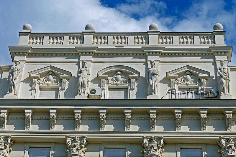 09_Elegant architecture.jpg