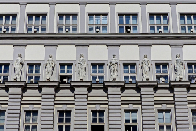 15_Govt building.jpg