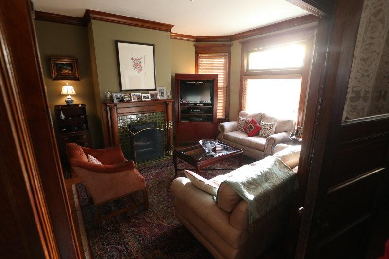 1st floor living room