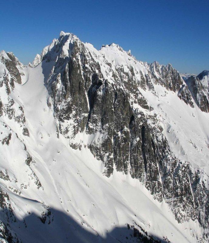Mt. Fury, W Peak, SW Buttress & Face (Fury122704-1adj.jpg)