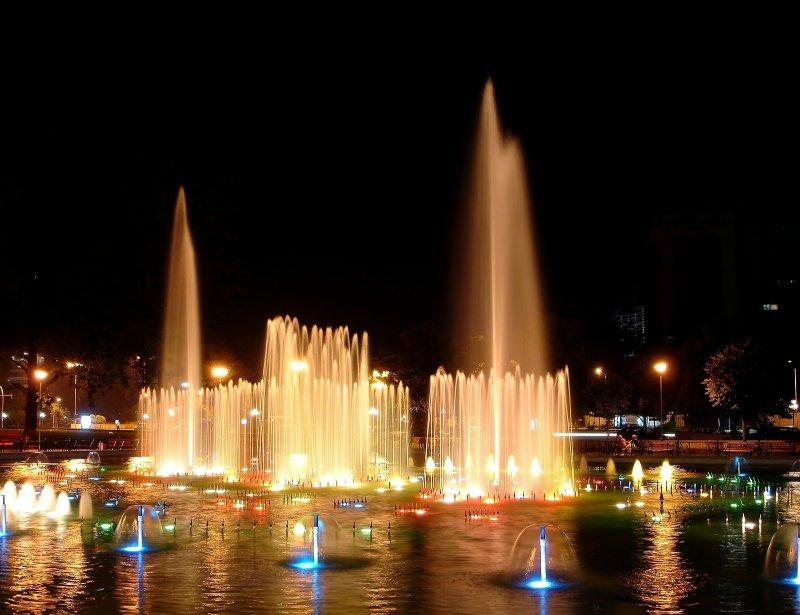 Tirana by Night 11.jpg