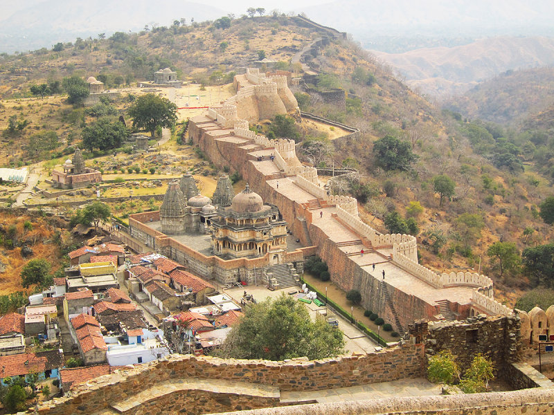 06 The view down to Kumbhalgarh Fort from the palace at the top.JPG