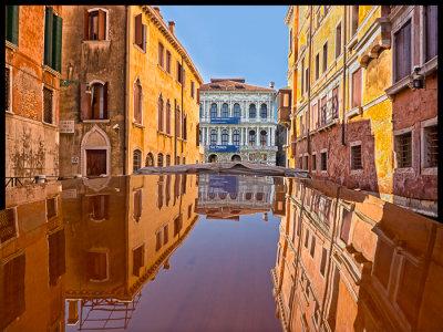 Calle del Becher Venice Italy.jpg
