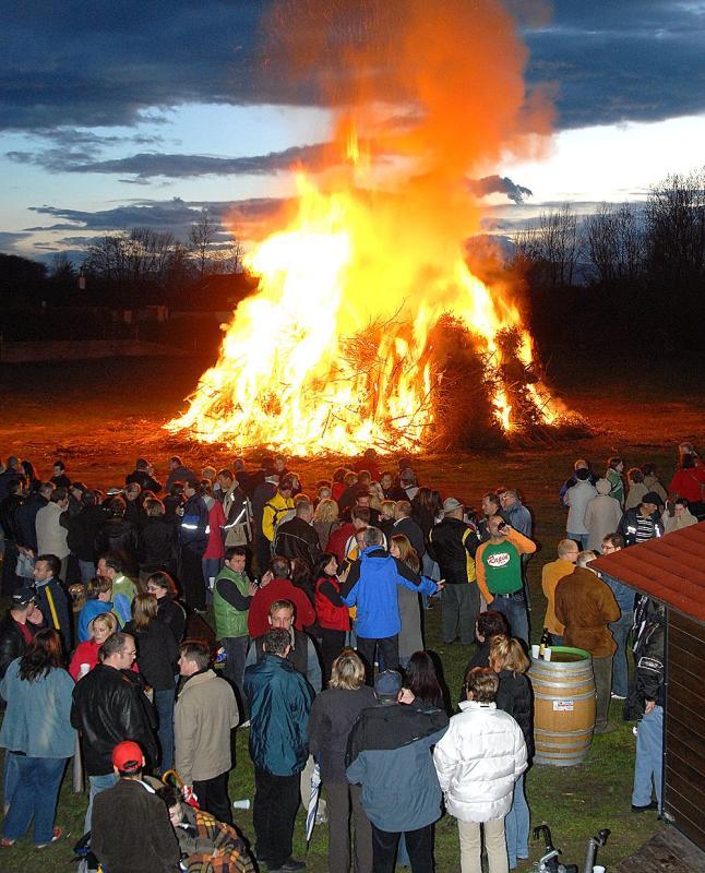Osterfeuer des SC Lanzenkirchen