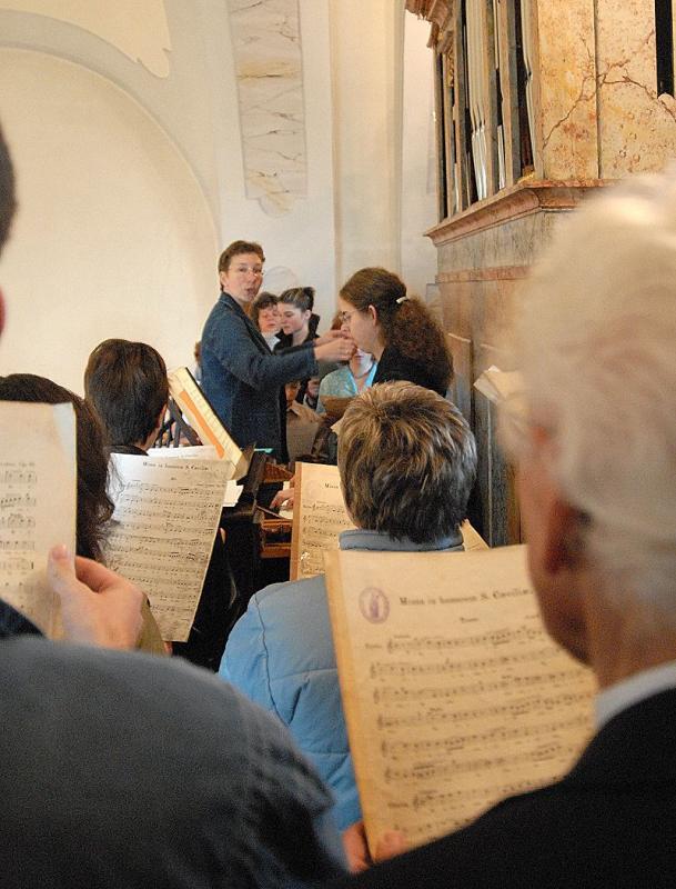 Der Lanzenkirchner Kirchenchor unter der Leitung von Veronika Ischlstöger