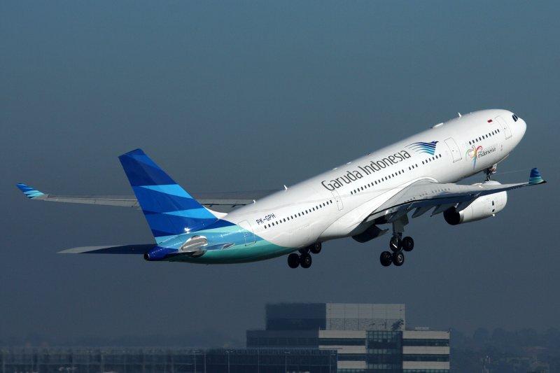 GARUDA INDONESIA AIRBUS A330 200 SYD RF IMG_1700.jpg