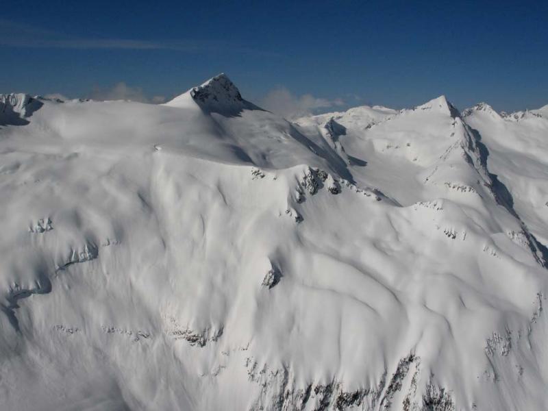 Clark Mt (L) & Luahna Pk (R), View S  (DakobedTenPks031206-036adj.jpg)