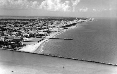 Mid 1960s - the South Beach we remember, between the pier and the jetty