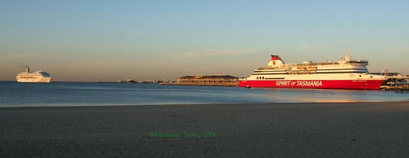 Ships, Melbourne
