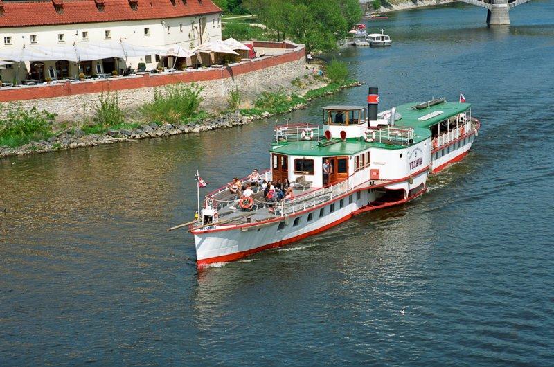 Det gode skip Vltava, en vaskeekte hjulbåt