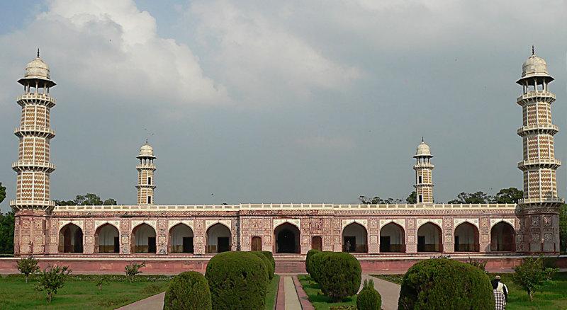 Jahangirs Tomb.jpg