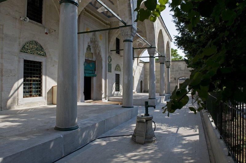 Istanbul june 2008 2604.jpg