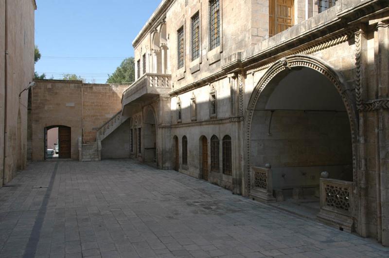 Şanlıurfa at Salahiddini Eyübi Mosque 3624.jpg