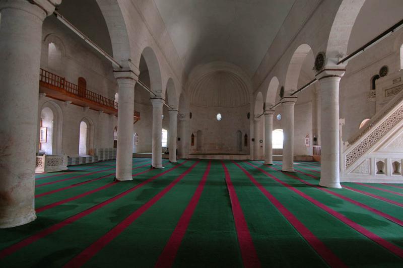 Şanlıurfa at Salahiddini Eyübi Mosque 3645.jpg