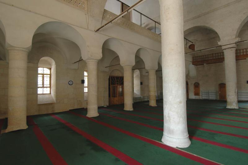 Şanlıurfa at Salahiddini Eyübi Mosque 3651.jpg