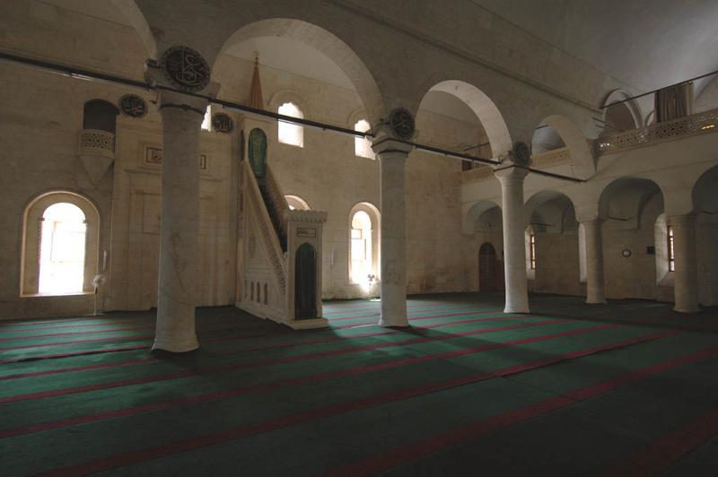 Şanlıurfa at Salahiddini Eyübi Mosque 3664.jpg