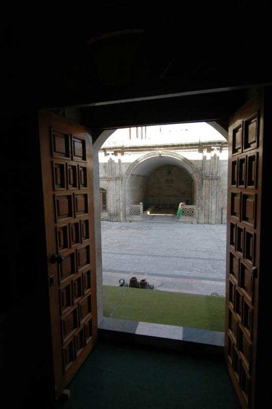 Şanlıurfa at Salahiddini Eyübi Mosque 3665.jpg