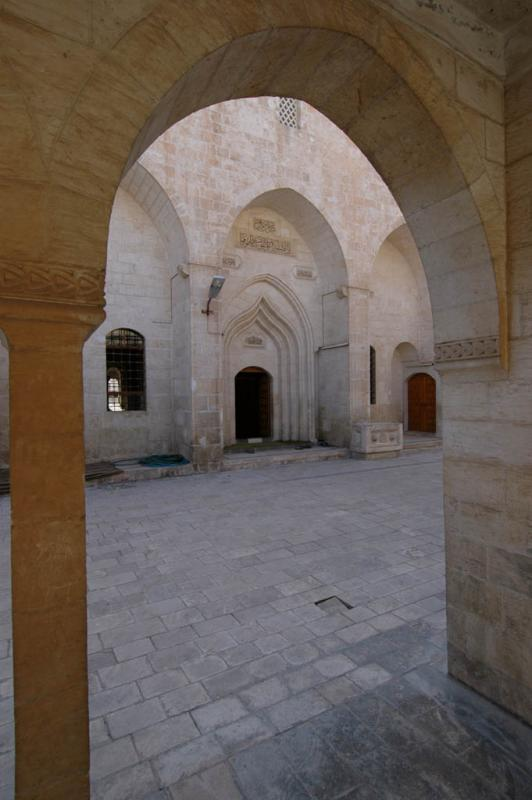 Şanlıurfa at Salahiddini Eyübi Mosque 3667.jpg